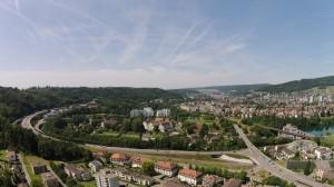 Blick vo Neuehof uf d A1 mit de Zuefahrt zum Baregg